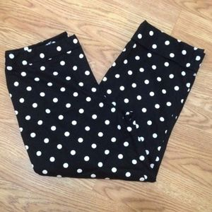 NEW Rafaella White Polka-dot Black Capris